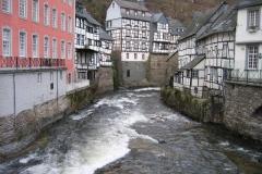 Rurpartie Monschau (links im Bild: rotes Haus)