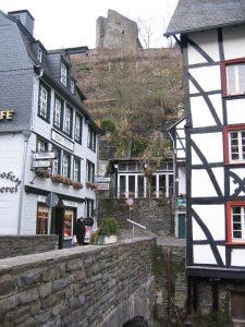 Monschauer Altstadt mit Blick auf den Haller